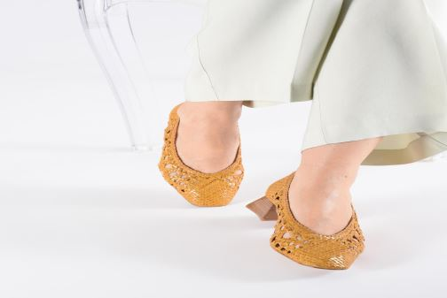High heels Miista MARINA Yellow view from underneath / model view