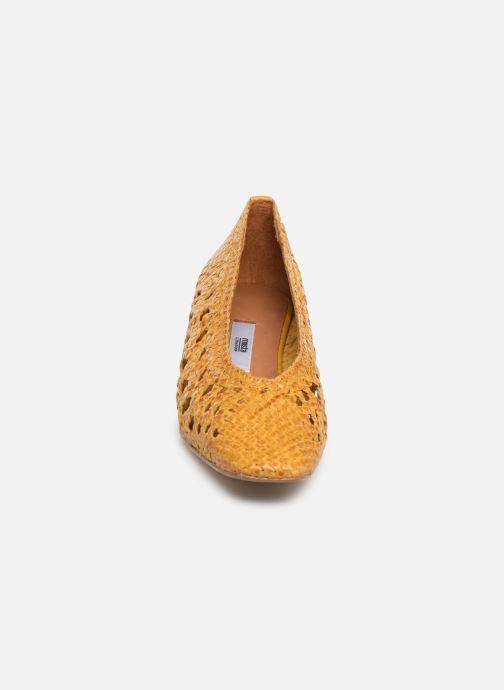 Escarpins Miista MARINA Jaune vue portées chaussures