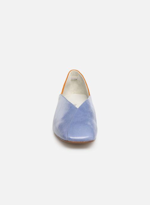 Ballerines Miista ALMA Bleu vue portées chaussures