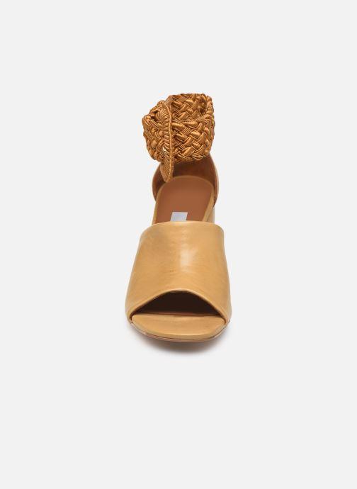 Sandales et nu-pieds Miista ADA Beige vue portées chaussures
