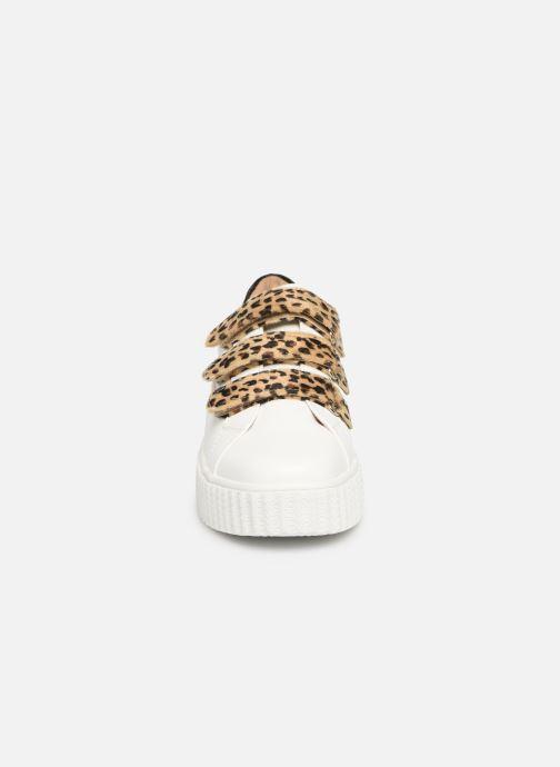 Sneakers Vanessa Wu BK1894 Vit bild av skorna på