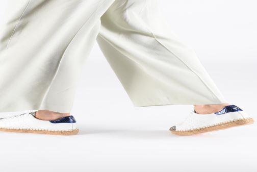 Sneakers Vanessa Wu BK1895 Wit onder