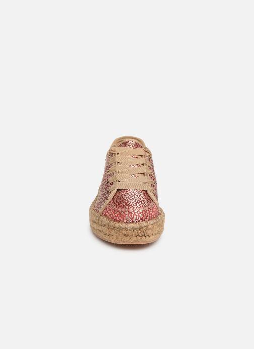Baskets Vanessa Wu BK1913 Rouge vue portées chaussures