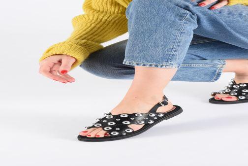 Sandales et nu-pieds Vanessa Wu SD1899 Noir vue bas / vue portée sac