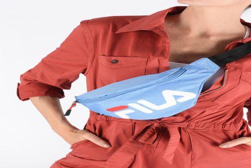 Petite Maroquinerie FILA Waist Bag Slim Bleu vue bas / vue portée sac
