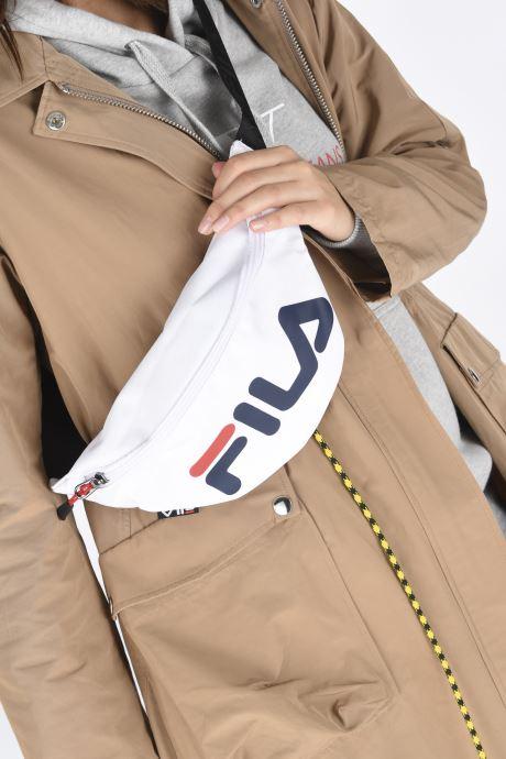 Petite Maroquinerie FILA Waist Bag Slim Blanc vue bas / vue portée sac