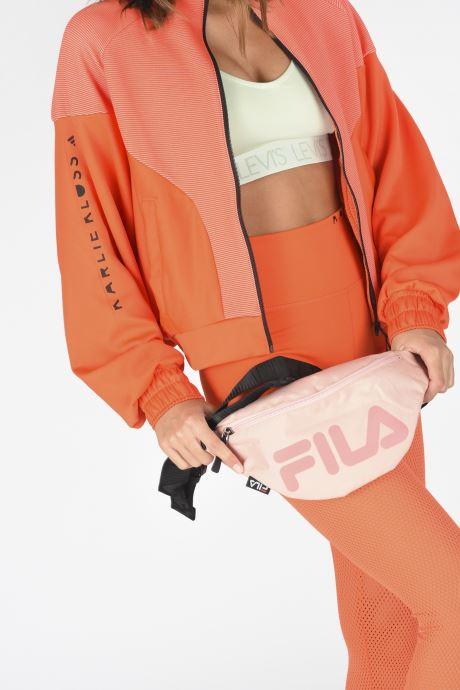 Handtaschen FILA Waist Bag Slim rosa ansicht von unten / tasche getragen