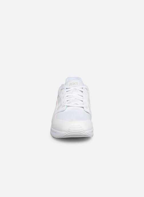 Baskets Asics Gelsaga Sou Blanc vue portées chaussures