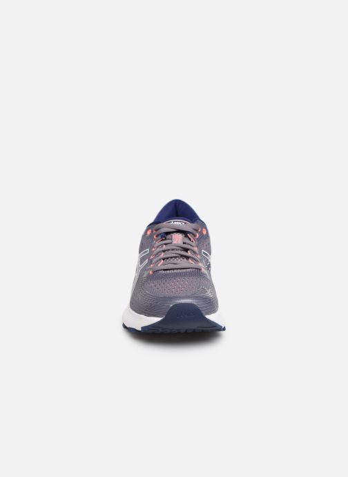 Chaussures de sport Asics Gel-Nimbus 21 Violet vue portées chaussures