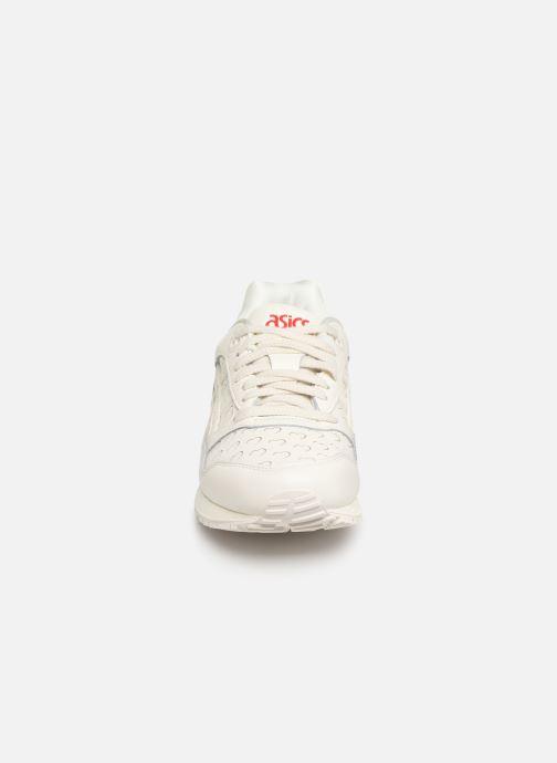 Baskets Asics Gelsaga Valentine Blanc vue portées chaussures