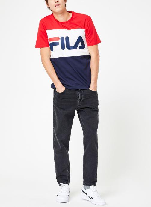 Vêtements FILA Day Tee Multicolore vue bas / vue portée sac