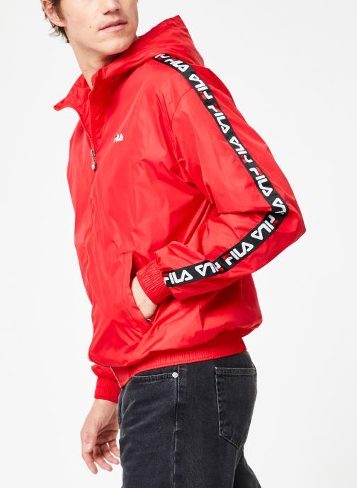 Vêtements FILA Tacey Tape Wind Jacket Rouge vue détail/paire