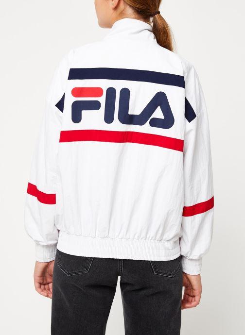 Vêtements FILA Kaya Wind Jacket Blanc vue portées chaussures