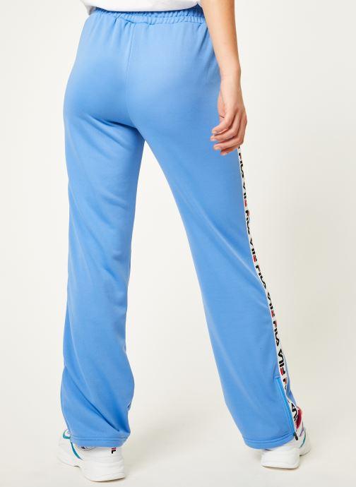 Vêtements FILA Thora Track Pants Bleu vue portées chaussures