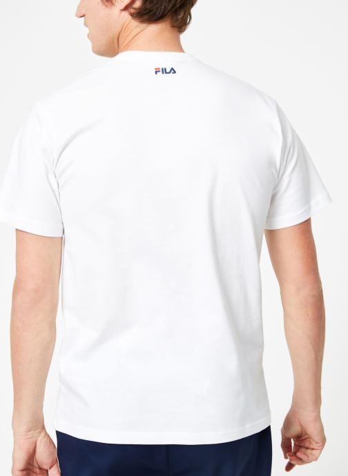 Vêtements FILA Pure Short Sleeve Shirt Homme Blanc vue portées chaussures