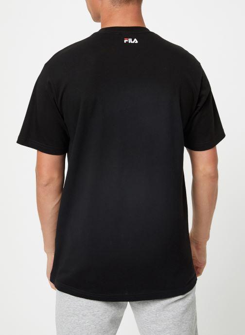 Vêtements FILA Pure Short Sleeve Shirt Homme Noir vue portées chaussures