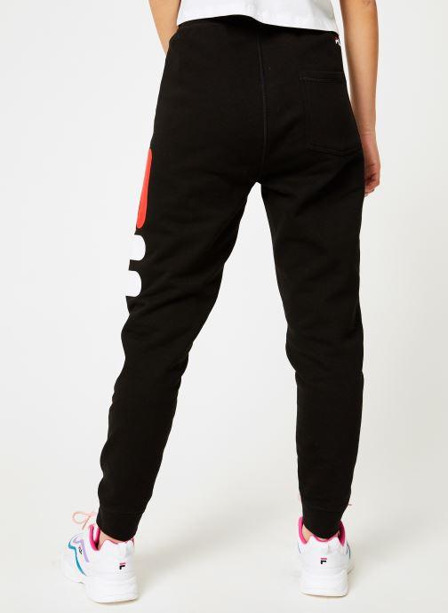 Vêtements FILA Pure Basic Pants Femme Noir vue portées chaussures