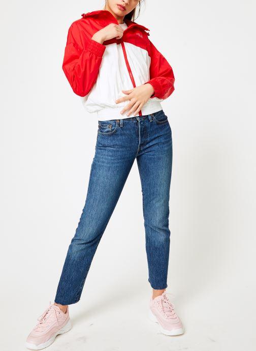 Vêtements FILA RAY Wind Breaker Blanc vue bas / vue portée sac
