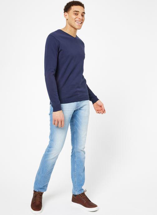 Vêtements Tommy Jeans TJM ORIGINAL V NECK SWEATER Bleu vue bas / vue portée sac