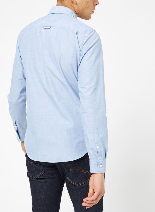 Vêtements Tommy Jeans TJM ORIGINAL END ON END SHIRT Bleu vue portées chaussures