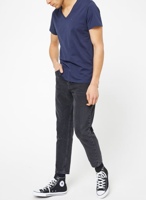 Vêtements Tommy Jeans TJM ORIGINAL JERSEY V NECK TEE Bleu vue bas / vue portée sac