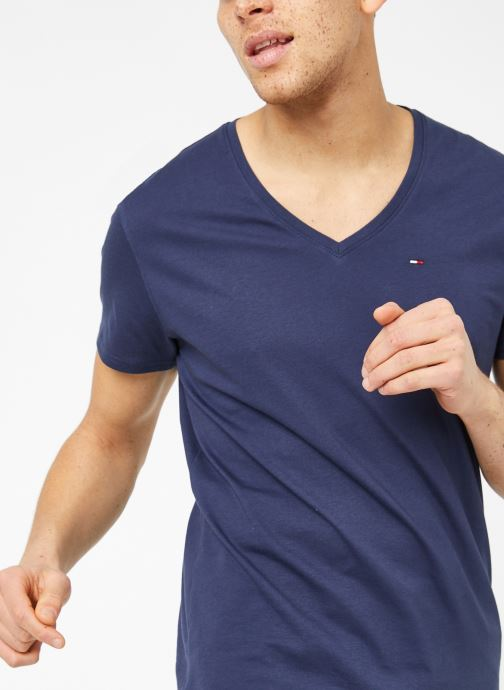 Vêtements Tommy Jeans TJM ORIGINAL JERSEY V NECK TEE Bleu vue détail/paire