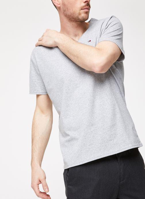 Kleding Tommy Jeans TJM ORIGINAL JERSEY V NECK TEE Grijs detail