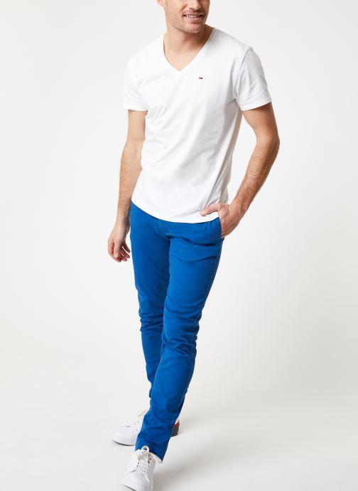 Vêtements Tommy Jeans TJM ORIGINAL JERSEY V NECK TEE Blanc vue bas / vue portée sac