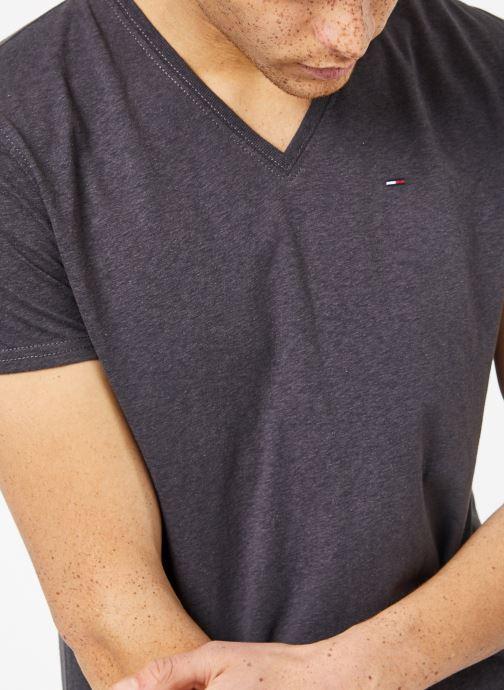 Vêtements Tommy Jeans TJM ORIGINAL TRIBLEND V NECK TEE Gris vue détail/paire