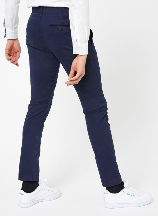 Vêtements Tommy Jeans TJM ESSENTIAL SLIM CHINO Bleu vue portées chaussures