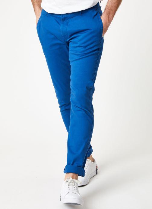 Tøj Tommy Jeans TJM ESSENTIAL SLIM CHINO Blå detaljeret billede af skoene