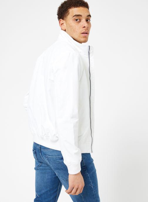 Vêtements Tommy Jeans TJM ESSENTIAL CASUAL BOMBER Blanc vue portées chaussures