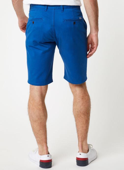 Vêtements Tommy Jeans TJM ESSENTIAL CHINO SHORT Bleu vue portées chaussures