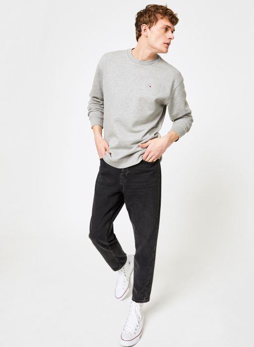 Vêtements Tommy Jeans TJM TOMMY CLASSICS CREW Gris vue bas / vue portée sac