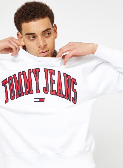 Vêtements Tommy Jeans TJM CLEAN COLLEGIATE CREW Blanc vue détail/paire