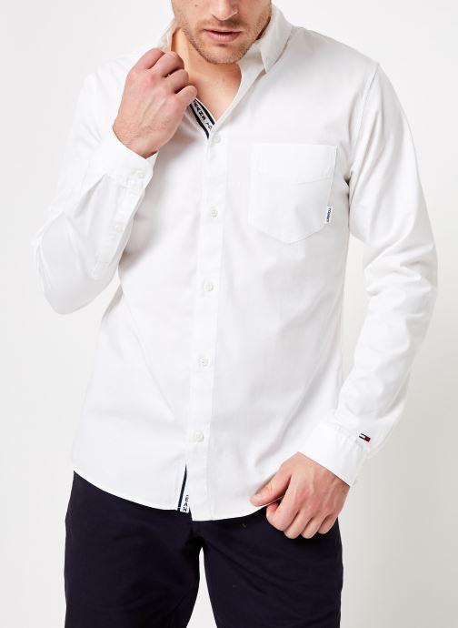 Vêtements Tommy Jeans TJM SOLID TWILL SHIRT Blanc vue détail/paire