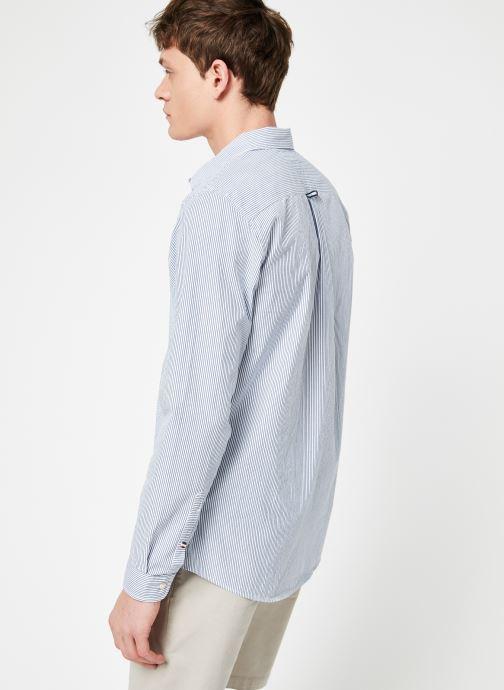 Vêtements Tommy Jeans TJM SEERSUCKER SHIRT Bleu vue portées chaussures
