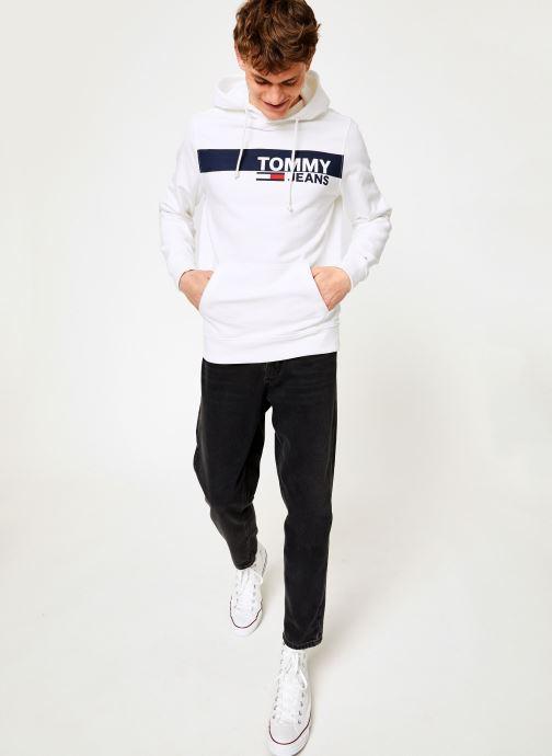 Vêtements Tommy Jeans TJM ESSENTIAL GRAPHIC HOODIE Blanc vue bas / vue portée sac
