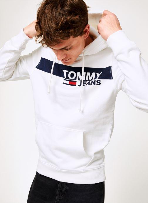 Vêtements Tommy Jeans TJM ESSENTIAL GRAPHIC HOODIE Blanc vue détail/paire