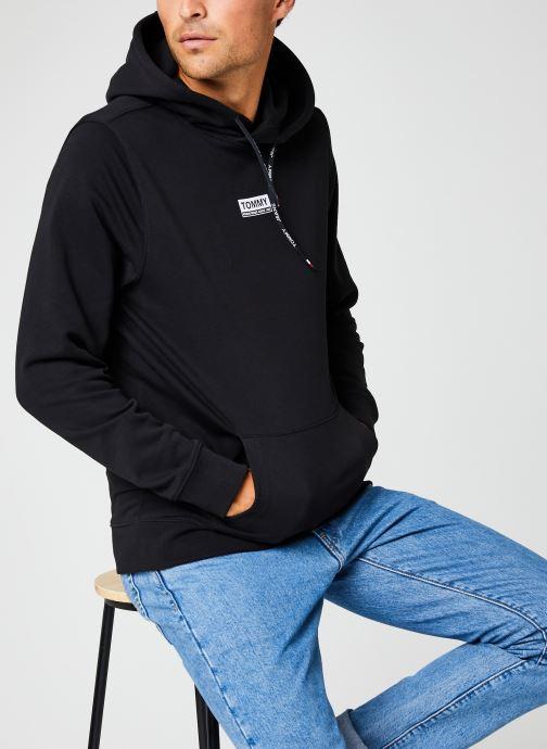 Vêtements Tommy Jeans TJM ESSENTIAL GRAPHIC HOODIE Noir vue détail/paire