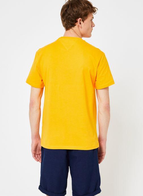 Vêtements Tommy Jeans TJM TOMMY CLASSICS TEE Orange vue portées chaussures
