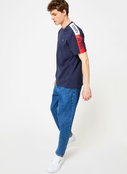 Vêtements Tommy Jeans TJM SLEEVE GRAPHIC TEE Bleu vue bas / vue portée sac