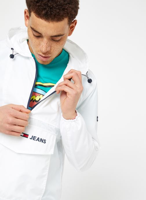 Ropa Tommy Jeans TJM NYLON SHELL SOLID POPOVER Blanco vista de detalle / par