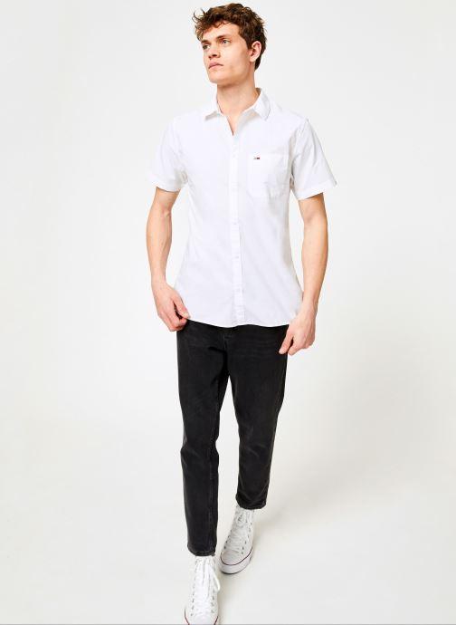 Vêtements Tommy Jeans TJM S/S SOLID POPLIN SHIRT Blanc vue bas / vue portée sac