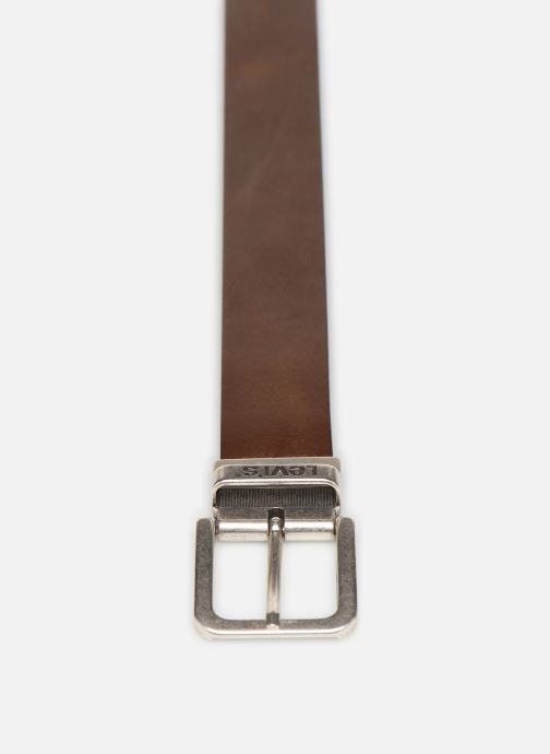 Cinturones Levi's Reversible Core Marrón vista del modelo
