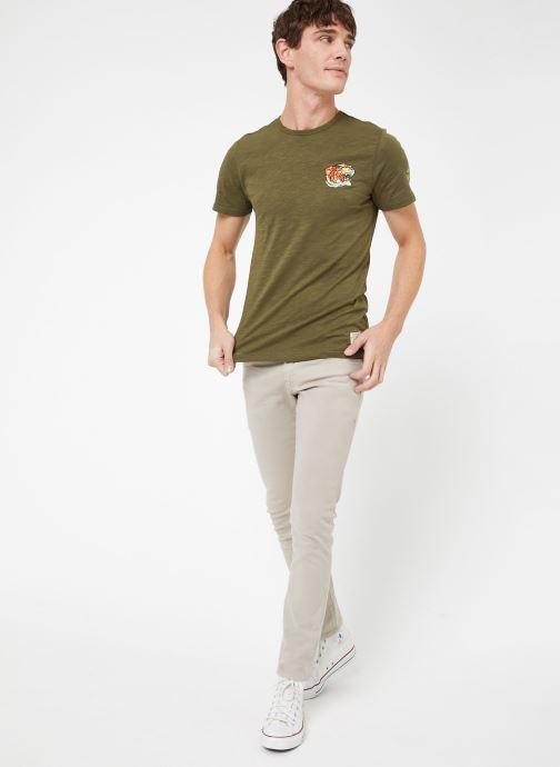 Vêtements Kiliwatch T-EMBROID MC Vert vue bas / vue portée sac