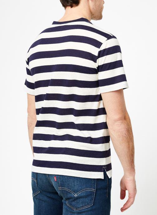 Vêtements Armor Lux T-Shirt col rond ML Héritage Bleu vue portées chaussures