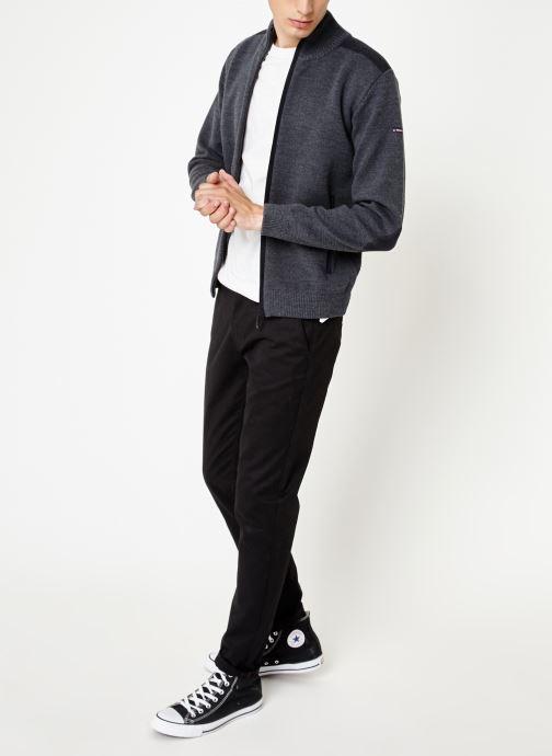 Vêtements Armor Lux Cardigan Carnac Gris vue bas / vue portée sac