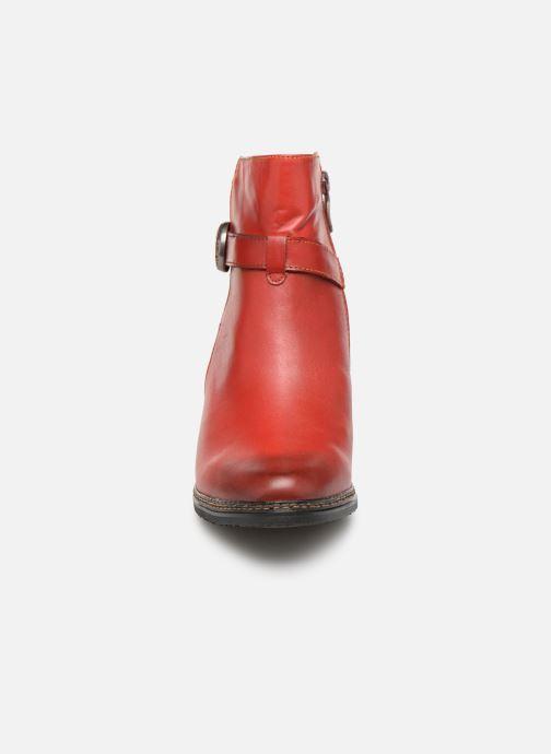 Bottines et boots Laura Vita AGATHE 69 Rouge vue portées chaussures