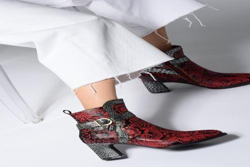 Stiefeletten & Boots Laura Vita ELECTRE 02 rot ansicht von unten / tasche getragen